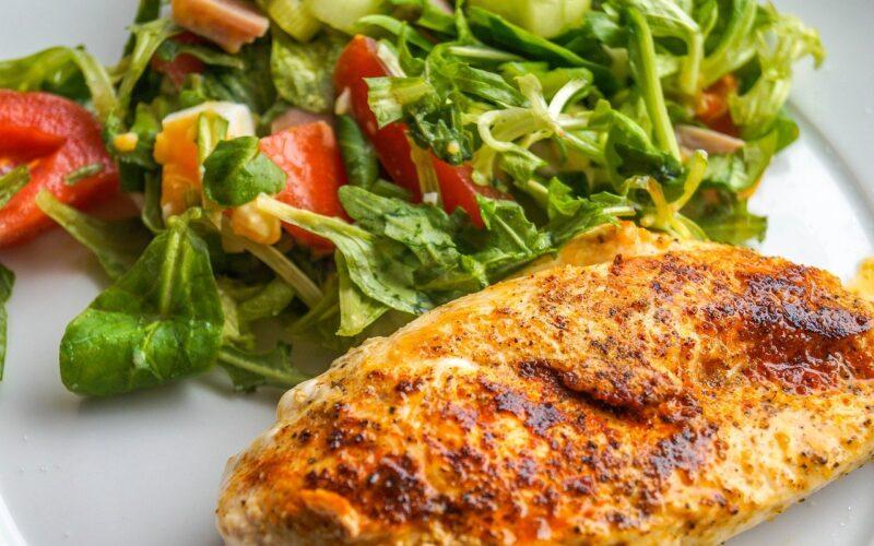 El pollo es una excelente fuente de proteínas