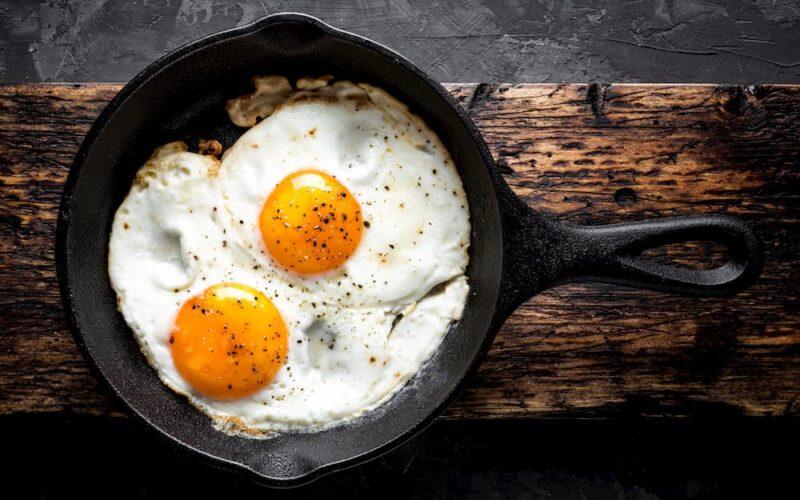 Te decimos cuánta proteína tiene el huevo